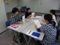 避難所での「日本人」と「外国人」の間の問題をテーマにしたワークショップ