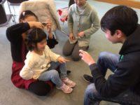 日本の学校で流行っている遊びを教えてもらいました!